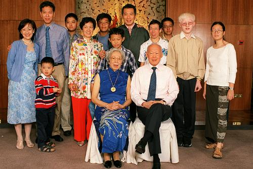 gia dinh ong ly quang dieu 9 bài học để đời cho con của cố thủ tướng Lý Quang Diệu