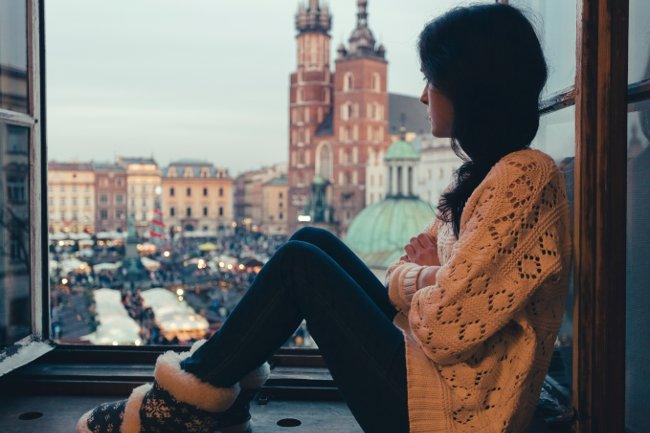 emotion u02 Tại sao càng có nhiều bạn chúng ta lại càng cảm thấy cô đơn?