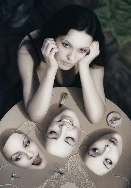 Bạn có mệt mỏi khi phải đeo mặt nạ mỗi ngày?