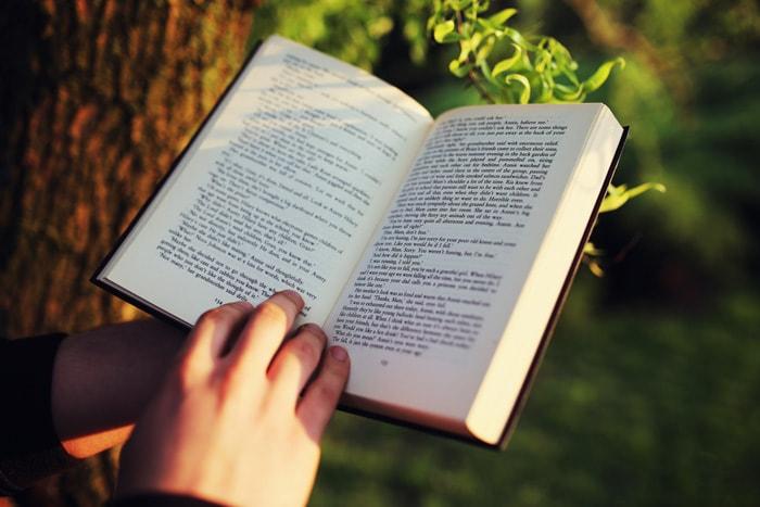 10 Tác Giả Nên Đọc Để Thông Minh Và Tinh Tế Hơn